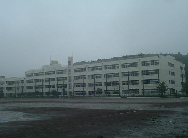 校舎外観.jpg