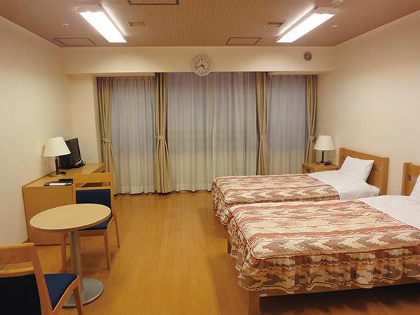 洋室 2名部屋:12畳 ユニバーサル対応