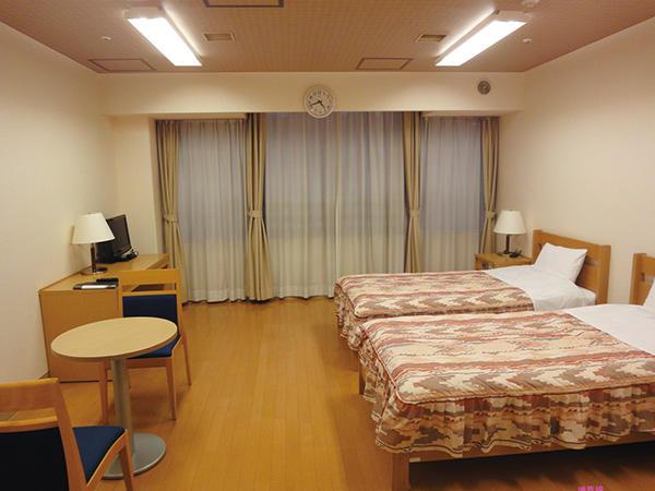 洋室 2名部屋:13畳