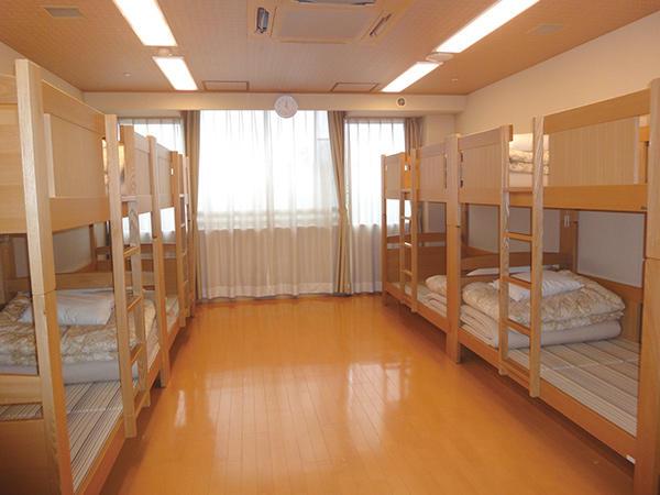 洋室 8名部屋:15畳